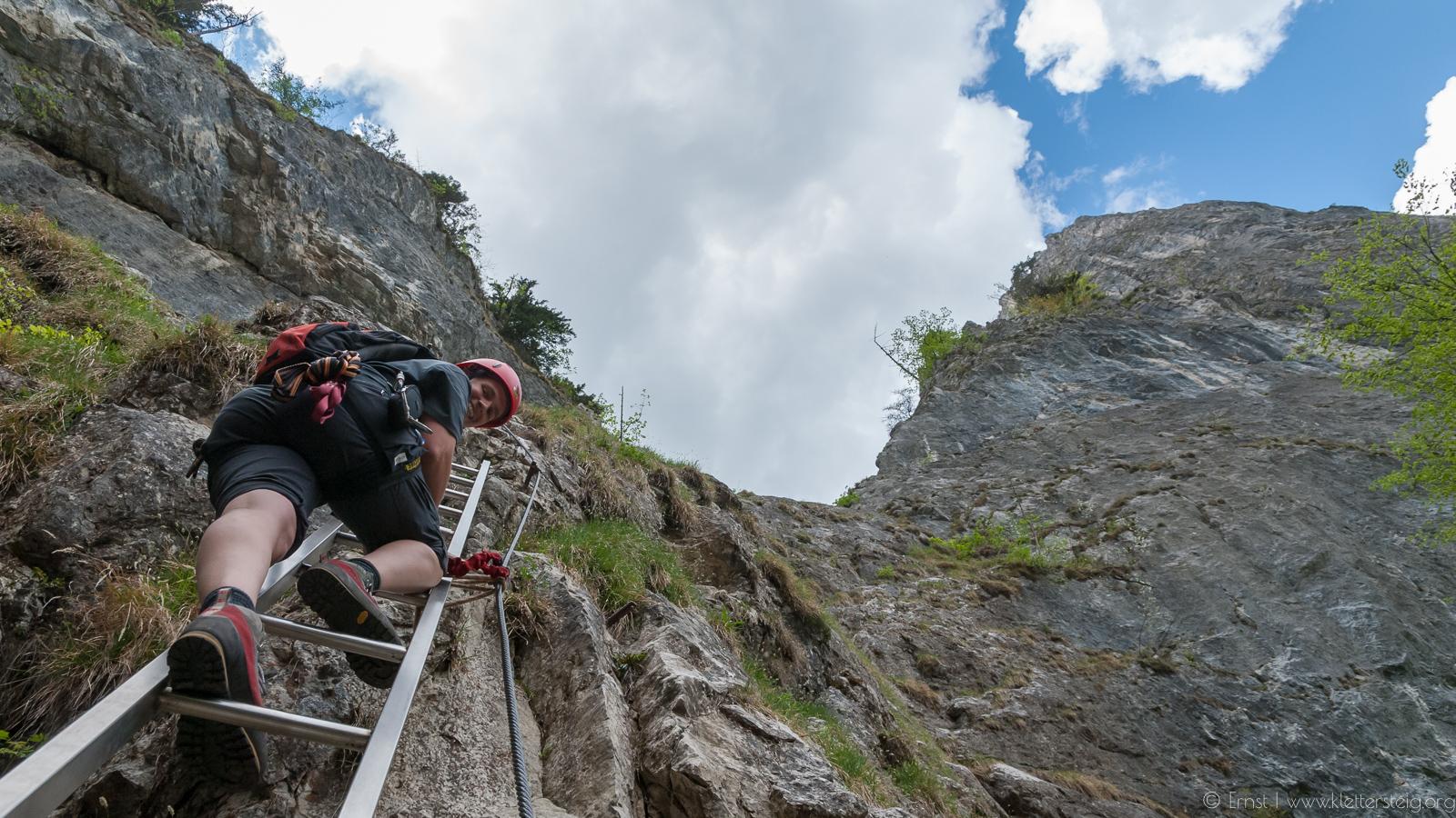 Klettersteig Mondsee : Drachenwand m klettersteig salzkammergut